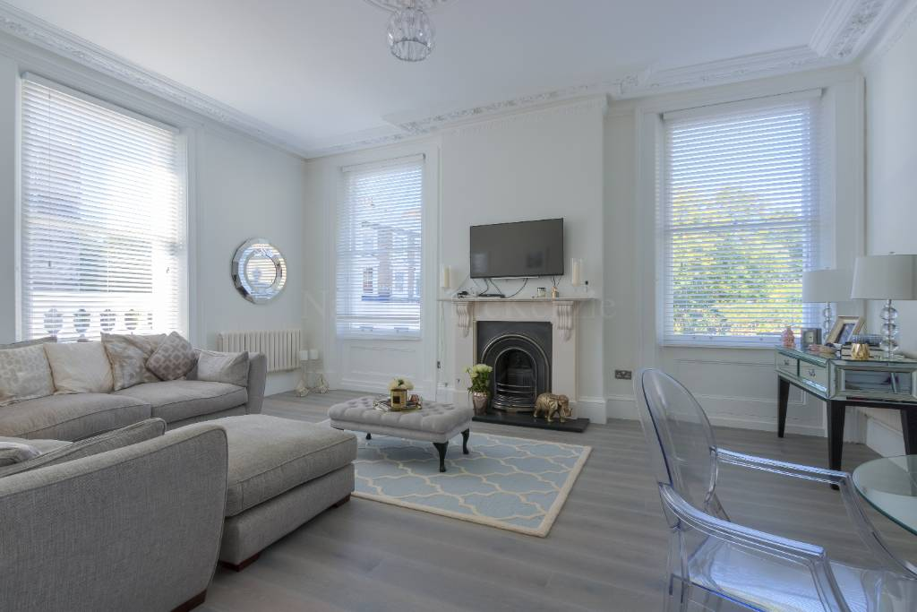 Flat 1, 94 Haverstock Hill, NW3 2BD - Image 1