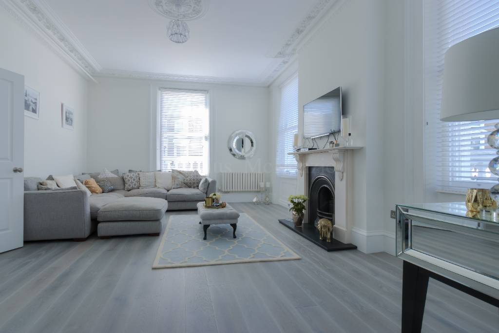Flat 1, 94 Haverstock Hill, NW3 2BD - Image 2