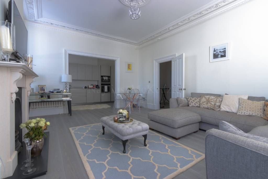 Flat 1, 94 Haverstock Hill, NW3 2BD - Image 3