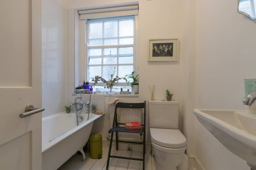 First floor flat 78 Haverstock Hill NW3 2BE - Image 9